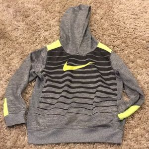 Nike boys 6/7 hoodie new condition